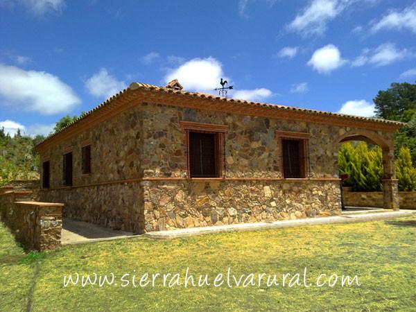 Casa de piedra sierra huelva rural alojamientos y - Casas de piedra ...