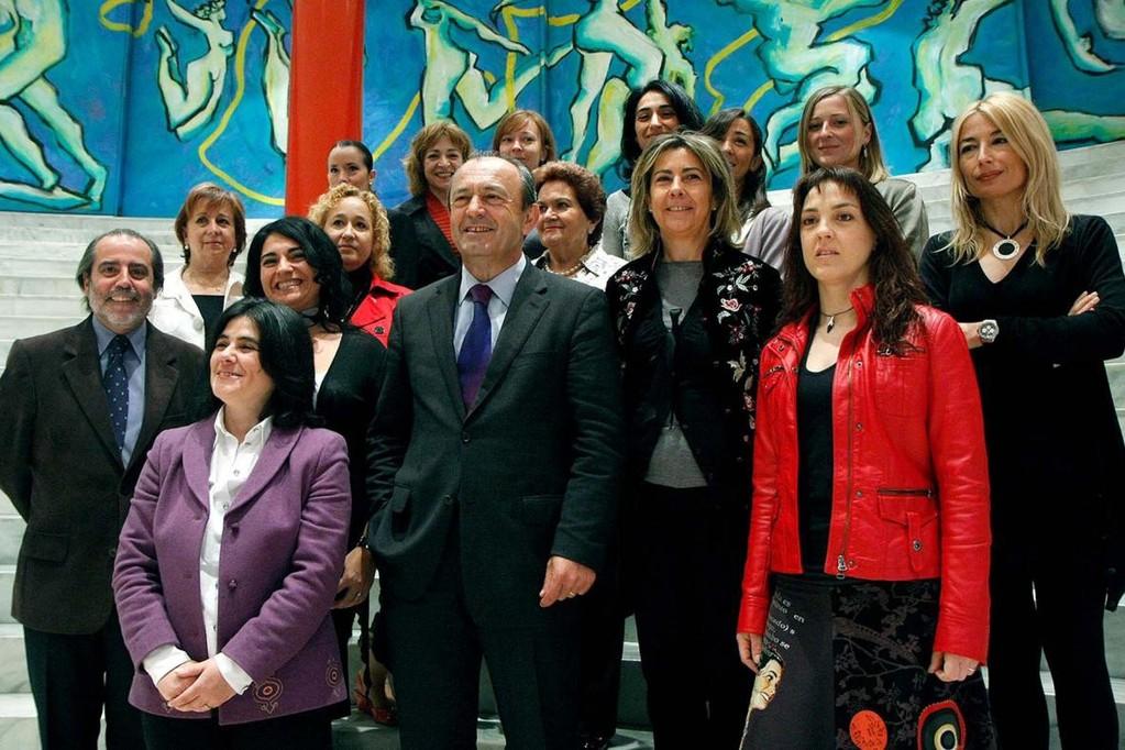 Miembros fundadores junto a Francisco Javier López Marcano, Consejero de Cultura y Juan Calzada, director del Palacio de Festivales