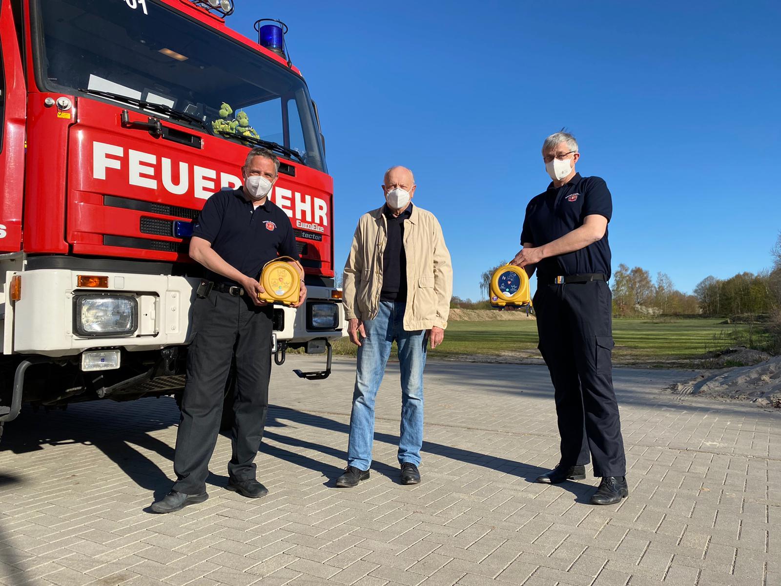 Ein AED-Defibrillator für Kuddewörde