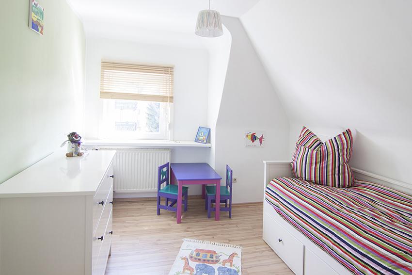 2. Schlafzimmer mit ausziehbarem Bett für die 3.+4. Person 80x200cm