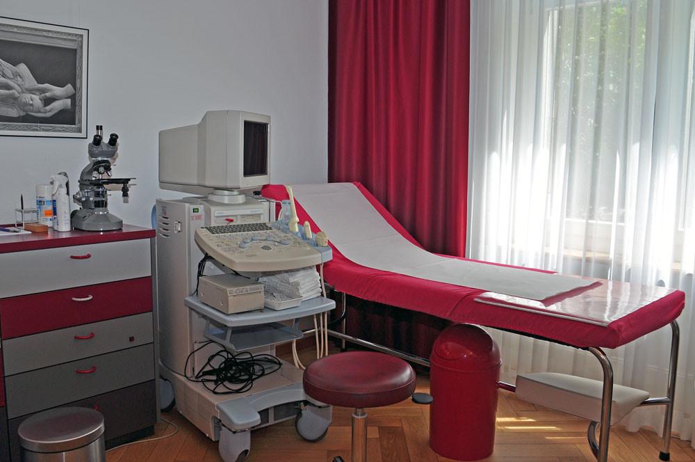 Behandlungszimmer Gynäkologie, Geburtshilfe