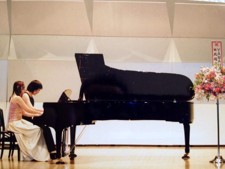 白根ラスペックホールにて他教室と合同ピアノ発表会をおこなっています