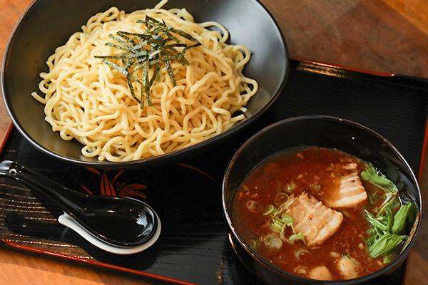 豚骨魚介旨辛つけ麺