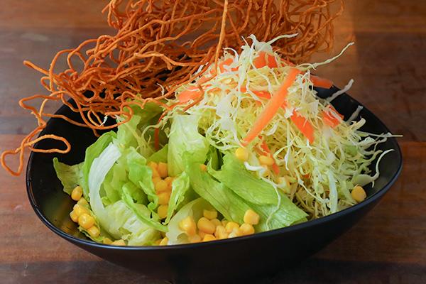 頂 おまかせ 大盛サラダ