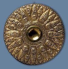 Phiale, SIC A.C.. Para los escitas era símbolo de poder real y se utilizaba como cuenco de ceremonias de culto.