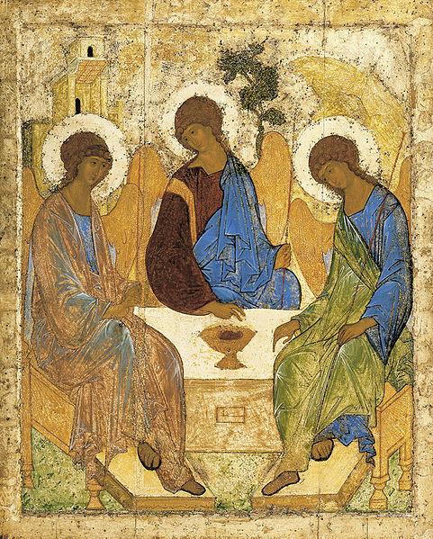 Icono de la trinidad de Andrej Rublev, 1411.Galeria Tetrjakov, Moscú. Su imagen encarna la expresión más perfecta de la Trinidad bizantina. Tres ángeles  identicos sentados a la mesa-altar con cáliz eucarístico.