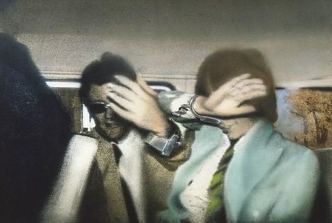 """Cuando en 1967 Mick Jagger y Keith Richards fueron encarcelados por posesión de drogas dentro de una furgoneta policial se difundió en prensa una foto que fue utilizada por  Hamilton en """"Liberación 1972"""" reflejo del salvaje ambiente cultural londinense."""