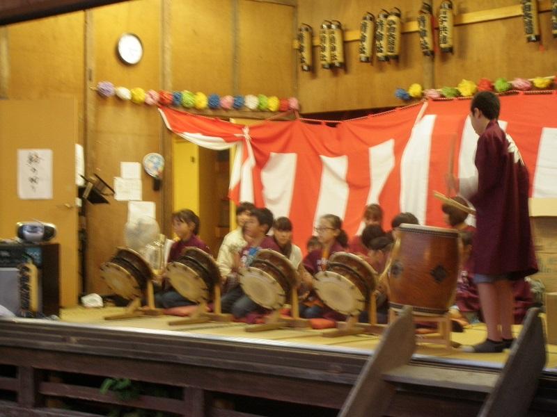 今田囃子の演奏