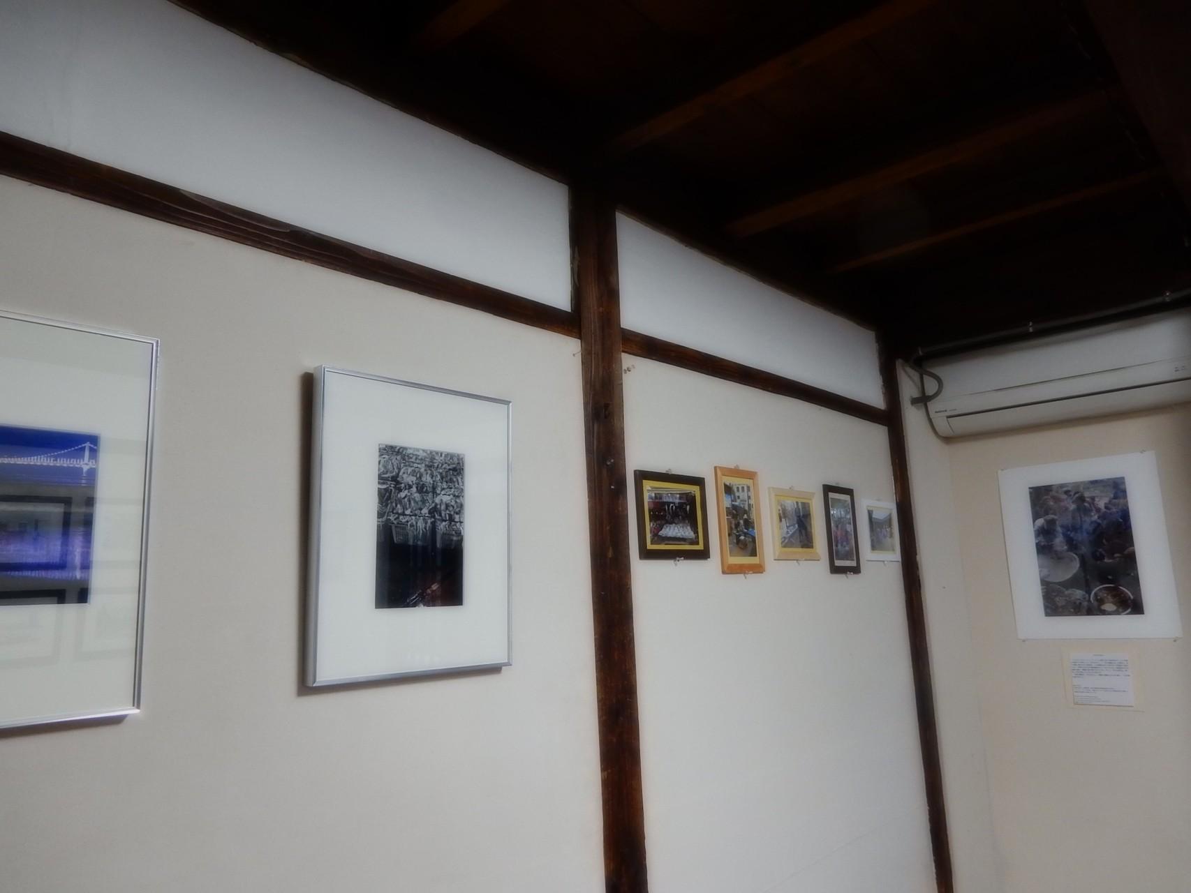 私は韓日交流展に出品した作品と、釜山、ソウルで撮影した5点の写真を展示。