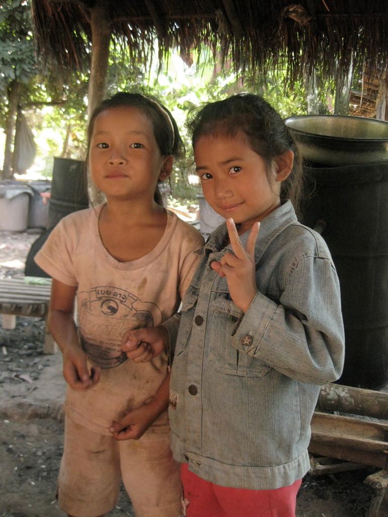 近所の女の子たち。小学校2年生