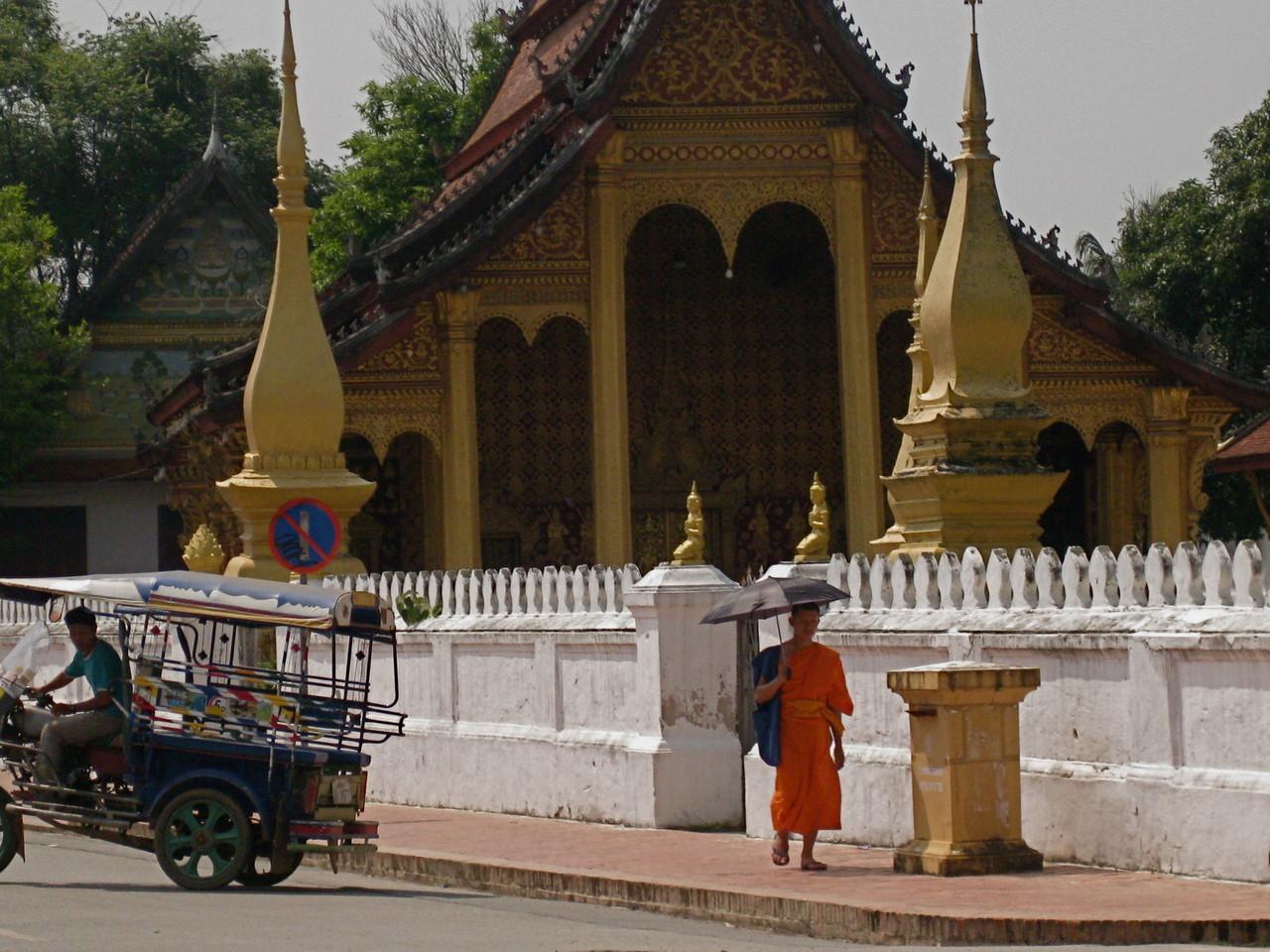 お寺が多すぎて、こちらは外から撮影して失礼します。
