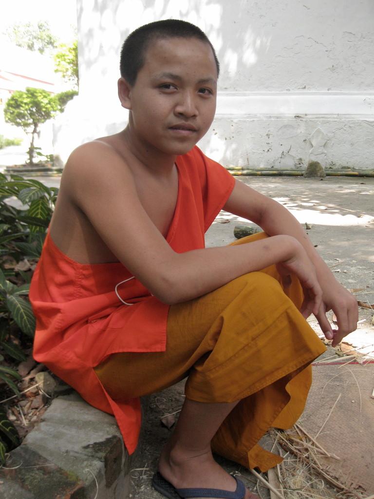 英語が上手で、将来英語の先生になりたいと言う修行僧。