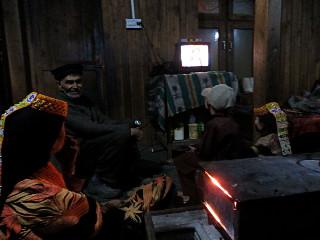 ボンボレットの兄弟5人のうち3人の家にテレビがある。