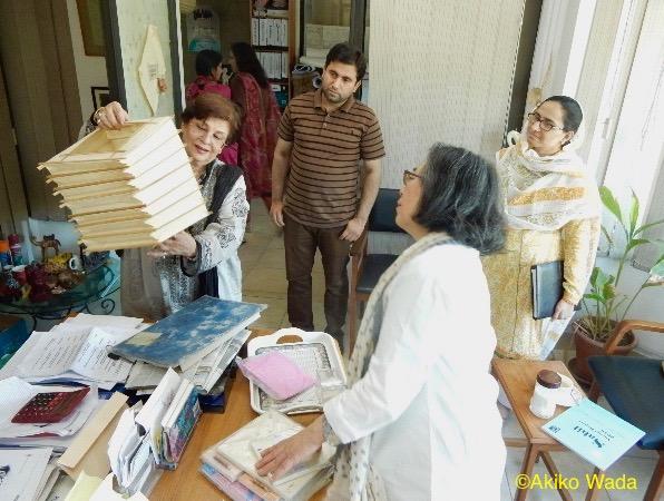 手漉き紙作りでつながるSahil(子供を性的虐待から守るNGO機関)を訪ねる