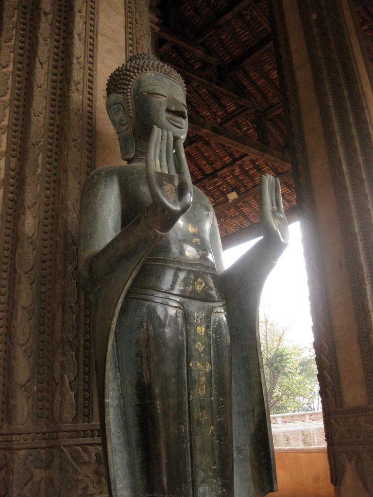 いいお顔の仏像が多い。