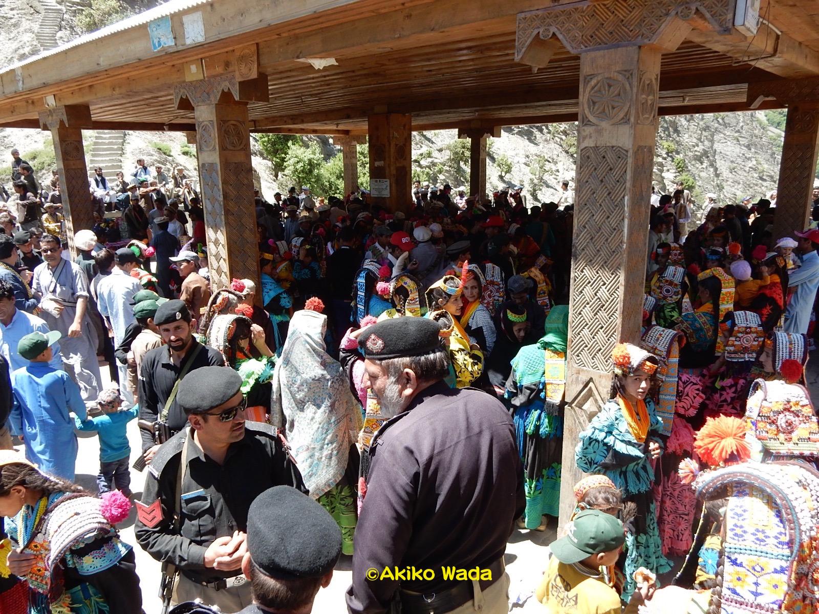 ルンブール谷のグロム村にある踊り場グリウ。