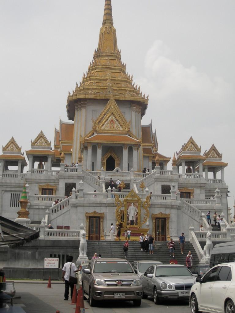 中華街の入口にあるゴールデン・テンプル。ラオスでたくさんの寺院を訪れたので、中には入らなかった。入場料をケチったわけではありません。