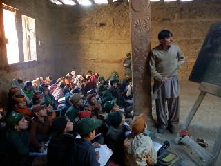 神殿の中では2年生と3年生が授業を受ける