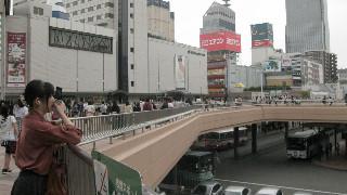 仙台市は'11年3月の東日本大地震で震度6強の揺れを観測し、東部沿岸地域では津波の被害も多く出た。しかし市内をざっと見渡す限りでは、想像以上の「大都市」という顔が前面にあって、2年数ヶ月前の震災の影は感じられなかった。