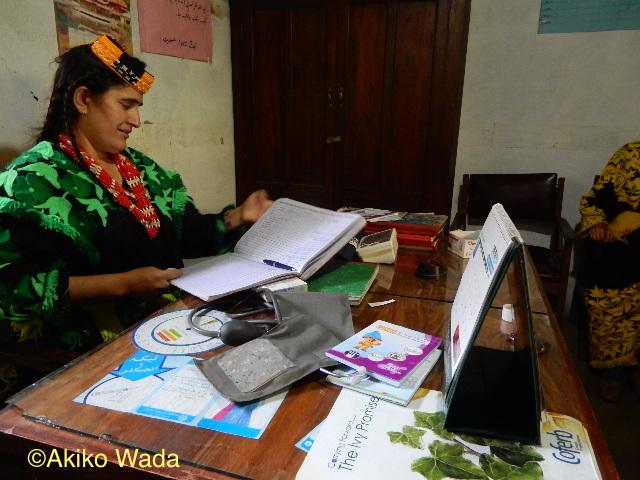 ボンボレットには「家族計画保健所」もあり、助産婦の免許を持つカラーシャ女性が責任者