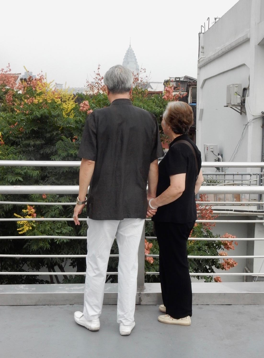 上品な老夫婦