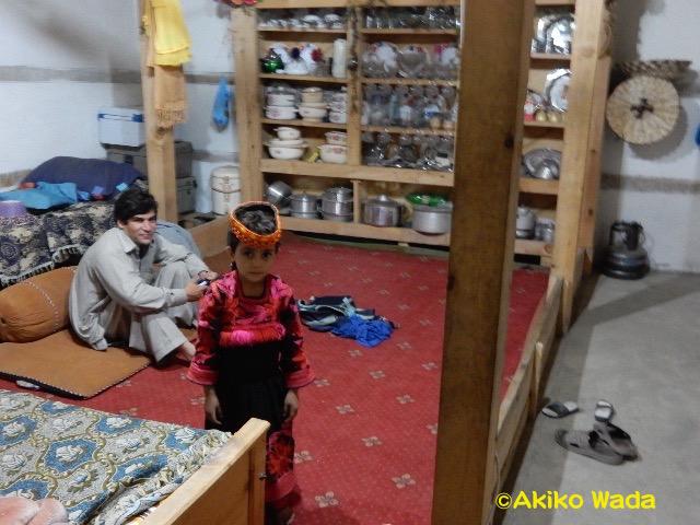 カラーシャの家もどんどんモダンになっていく。