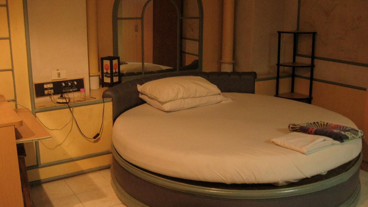 寝室として使ったいあやしい雰囲気の部屋。