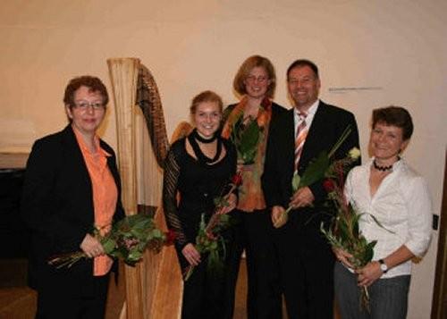Veranstaltung am 16. Oktober 2007 in der Konzerthalle im Kurpark Bad Neuenahr, v.l.n.r.: Rosemarie Krieger, Dorothea Bach, Judith Cramer, ich, Regina Schleheck
