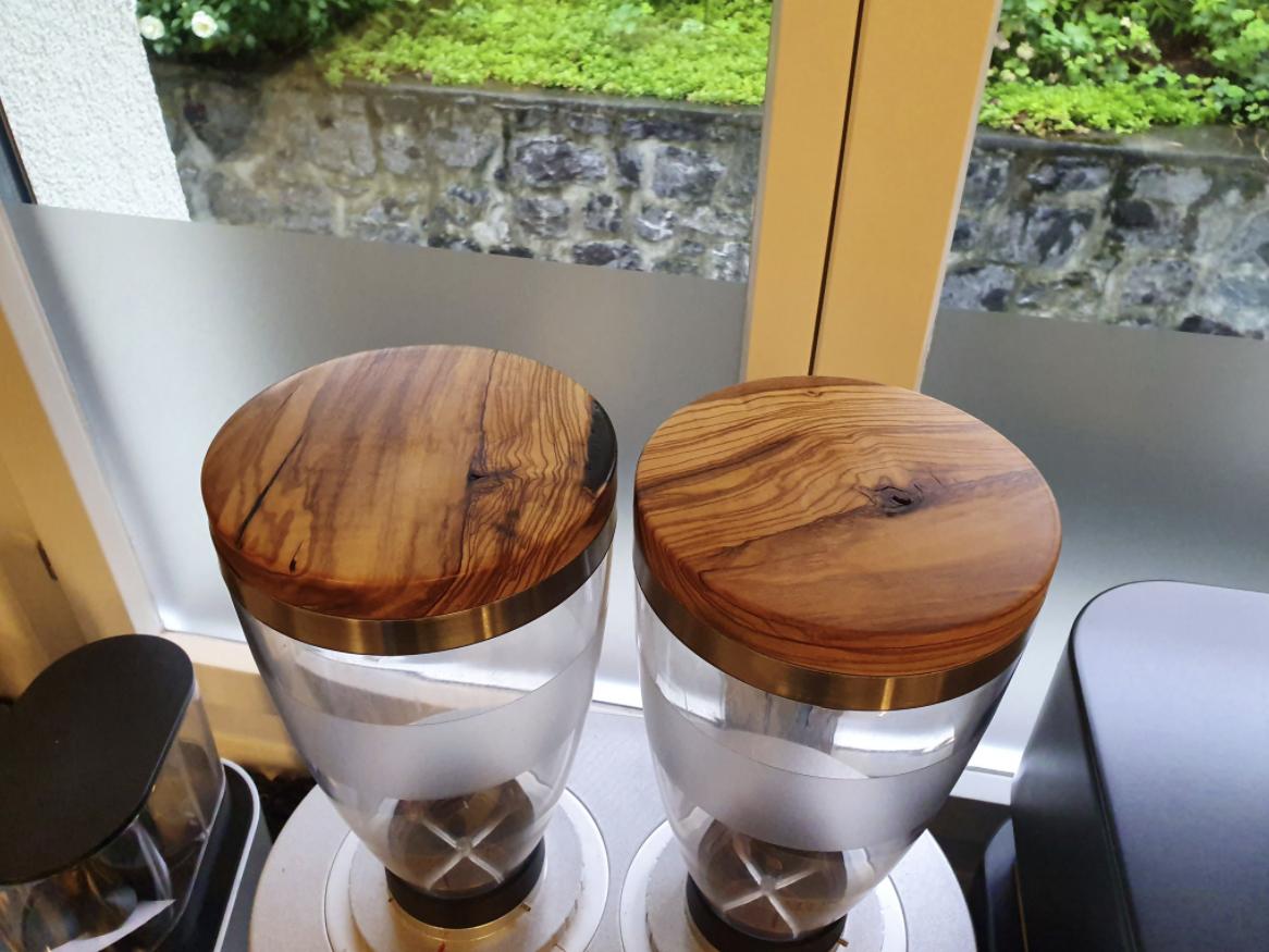 Keffeemühlendeckel aus Olivenholz mit Ring aus Edelstahl