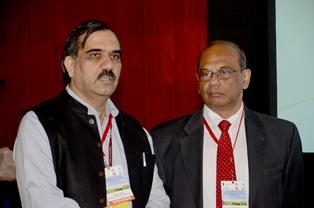 Dr.Mathur, DG of BEE and Mr.Bakre, DG of TERI