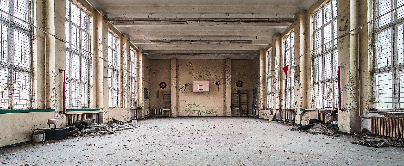Die ungenutzte Sporthalle der Russen