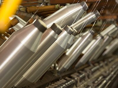 撚糸機にセットされた東レ製ナイロン原糸2