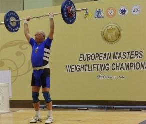 Foto: Heinz gewinnt Gold mit 70 kg im Stoßen