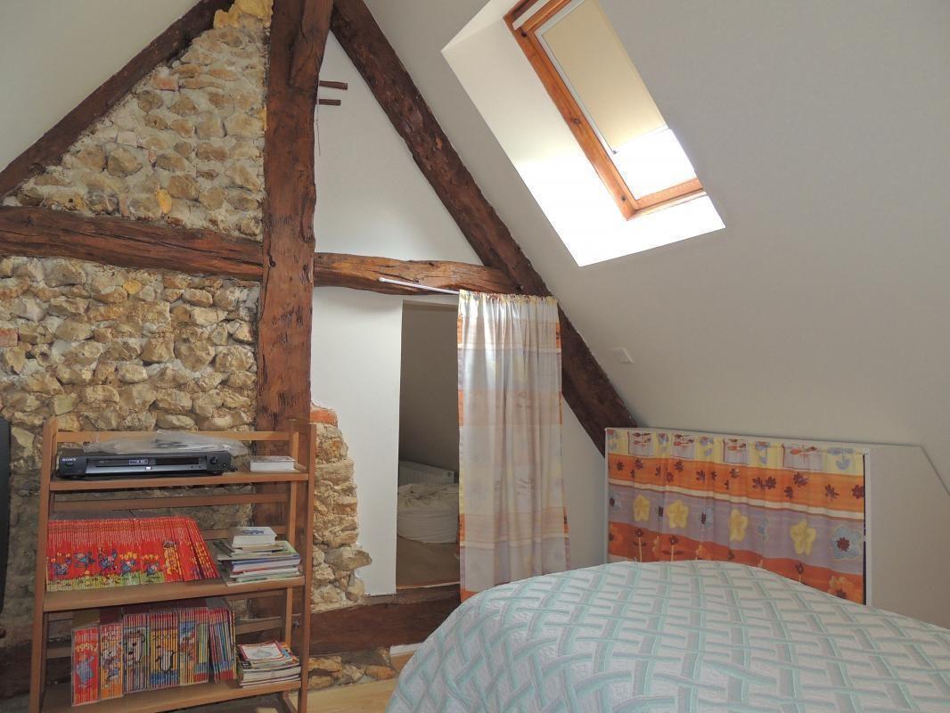 Etage - Chambre 2 - lit 90 x 190 - bibliothèque enfants