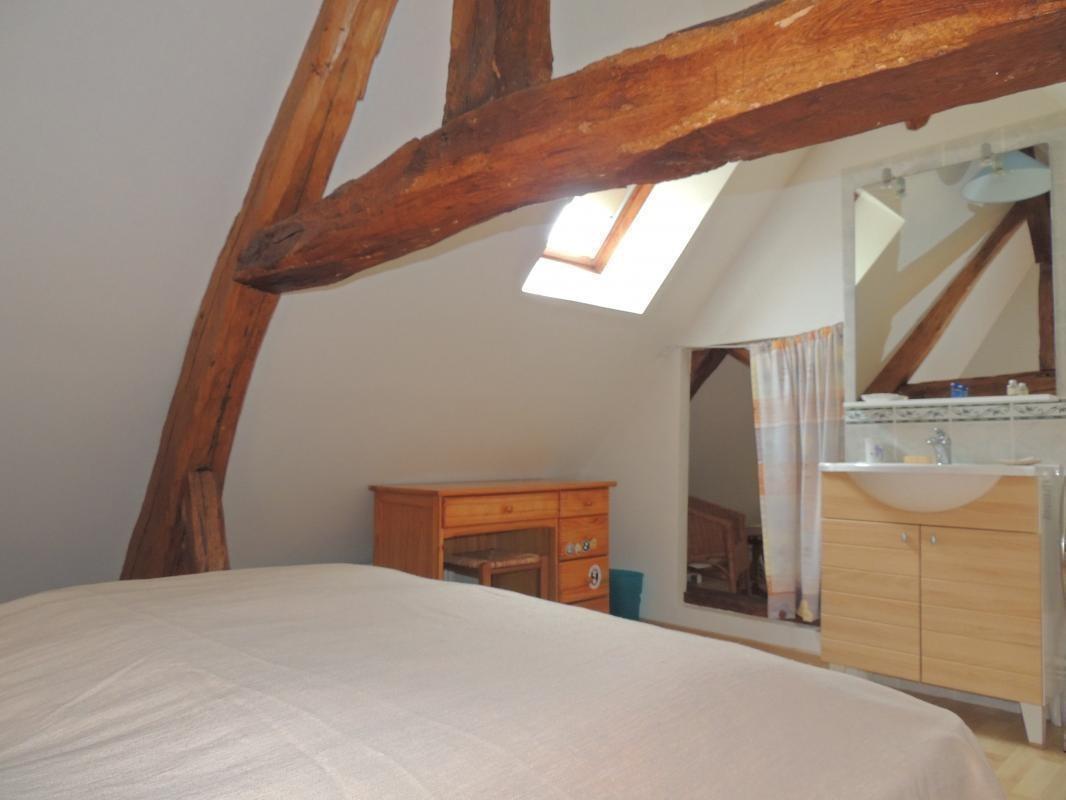 Etage - Chambre 1 - avec lavabo - couchage 160 x 190