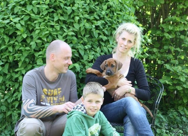 Peggy, Thorsten und Lennhardt mit ihrem neuen Familienmitglied