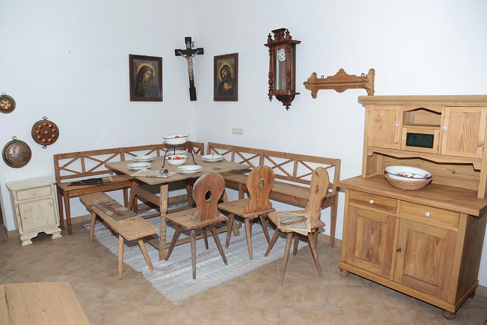 Showroom wohnfertige Möbel 1