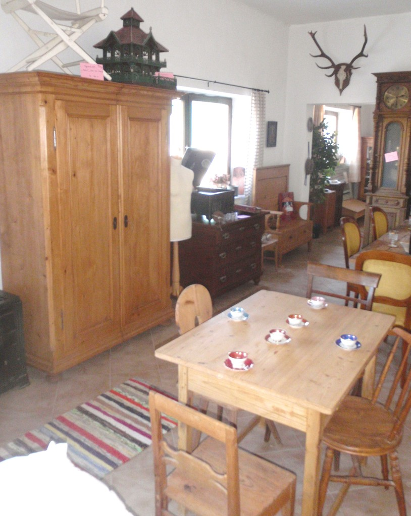 Showroom wohnfertige Möbel 6