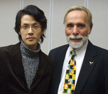 催眠療法の世界的権威Dr.リチャード・ニーヴス博士(Ph.D)と共に撮影