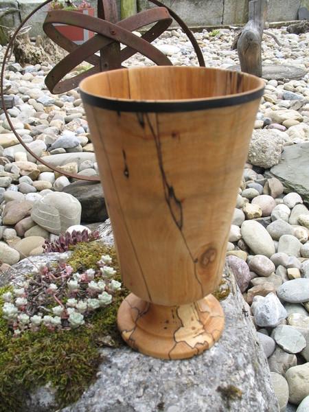 Vase aus gestockter Buche