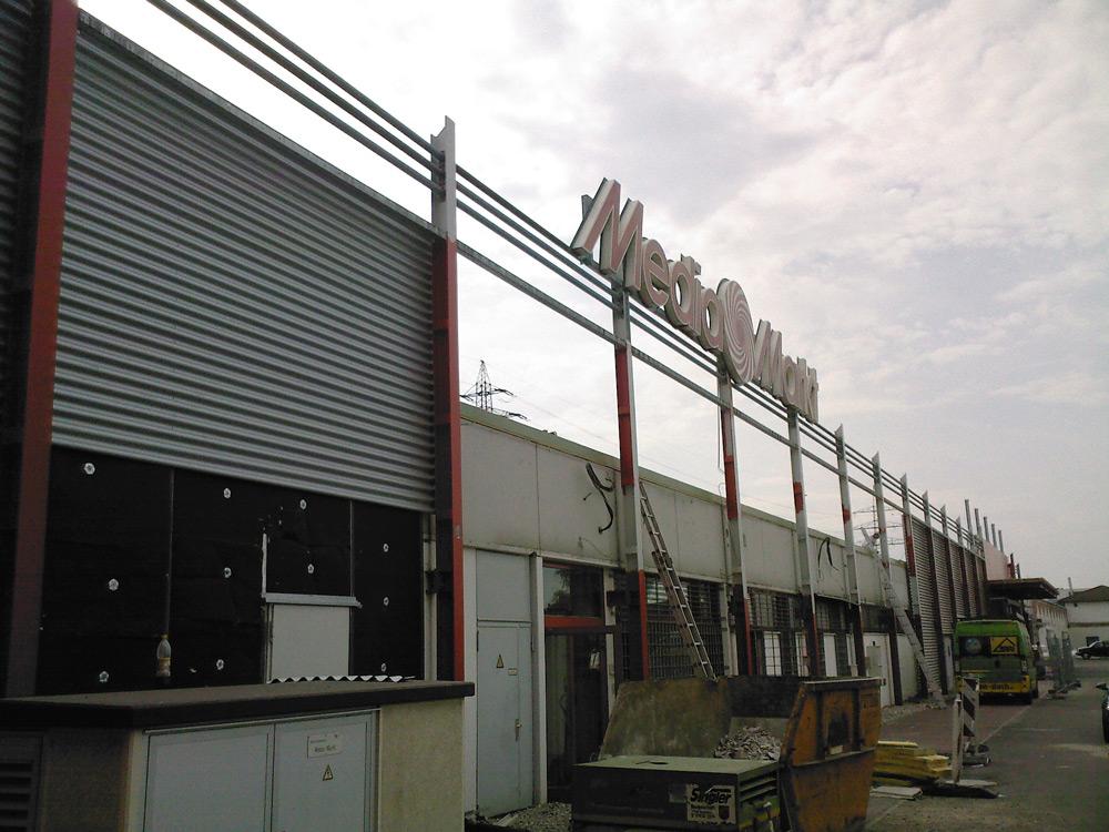 Umbau und Sanierung Elektronikmarkt in Offenburg