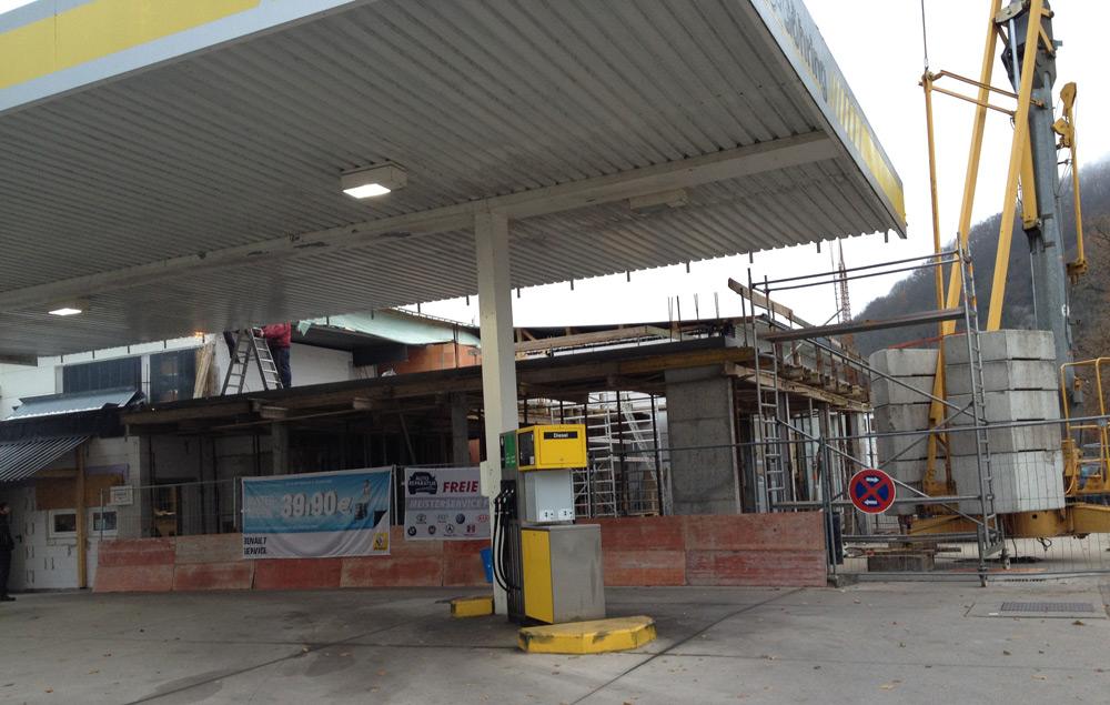 Sanierung Autohaus mit Neubau Ausstellungsbereich