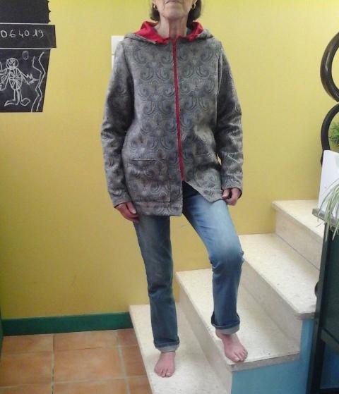 réalisation 3 : une veste doublée de rouge
