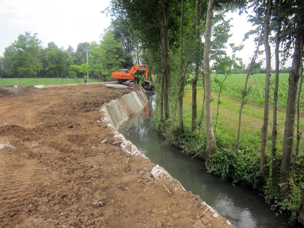 Sistemazione corsi d'acqua con argini in pietra