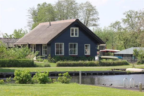 Te huur 6 persoons vakantiehuis met gratis WiFi in De Weerribben-Wieden