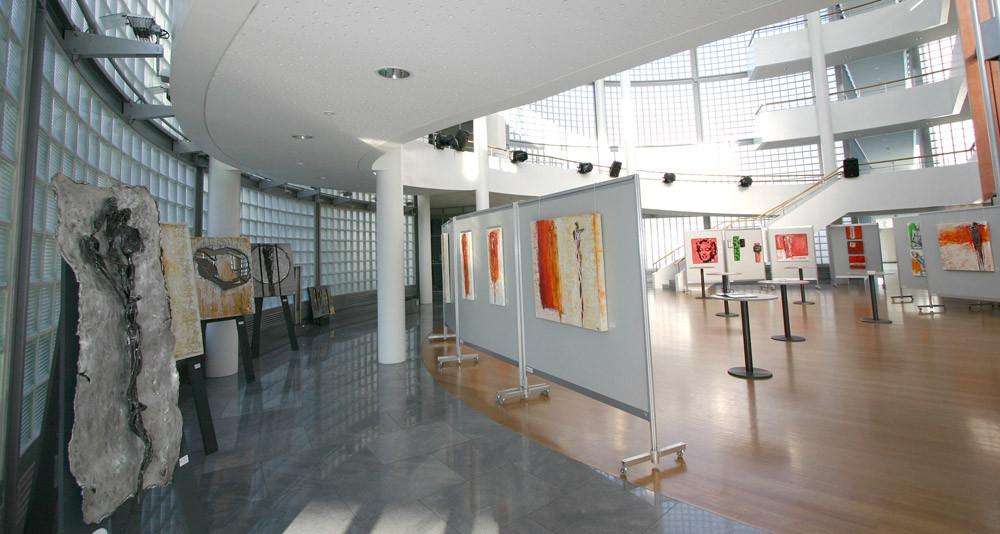 Ausstellung in der  Rotunde der Salzburg AG