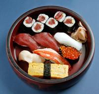 two tuna、squid、crab、clam、salmon roe、egg