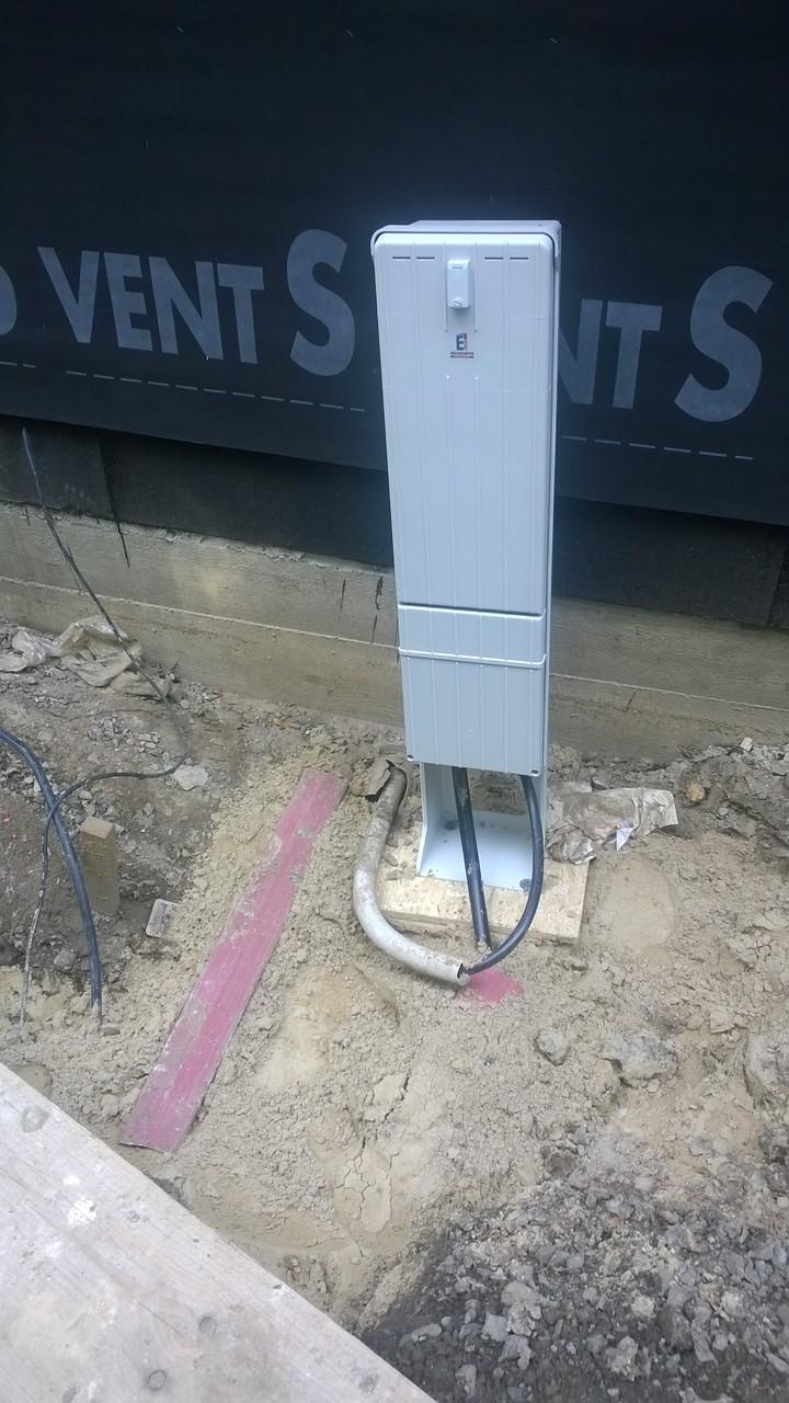Stromanschlußkasten ist gesetzt