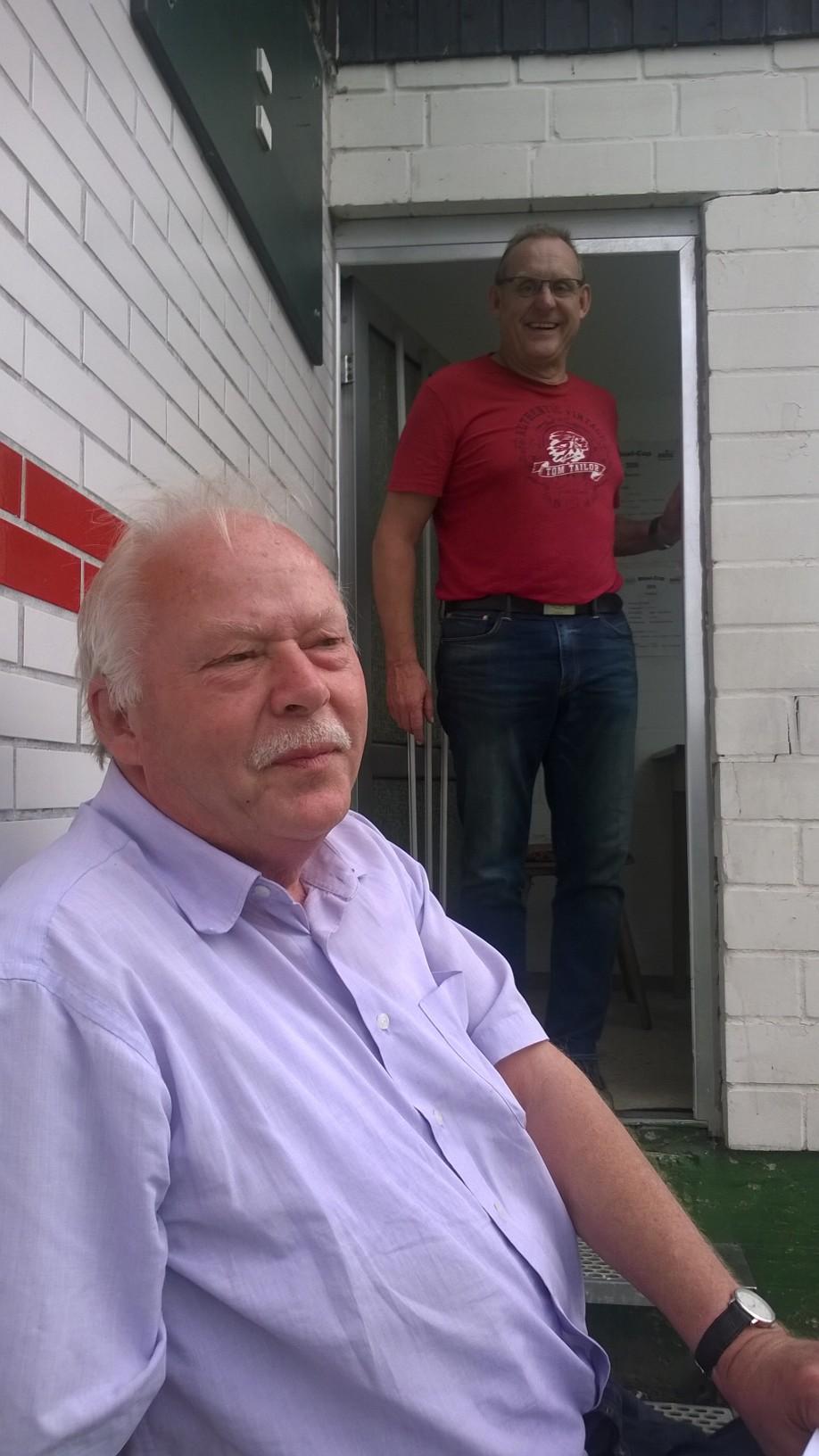 Kurt und Reinhard - der eine schreibt, der andere ist immer auf Ballhöhe. Danke an Reinhard für den sehr guten Ergebnis-Service