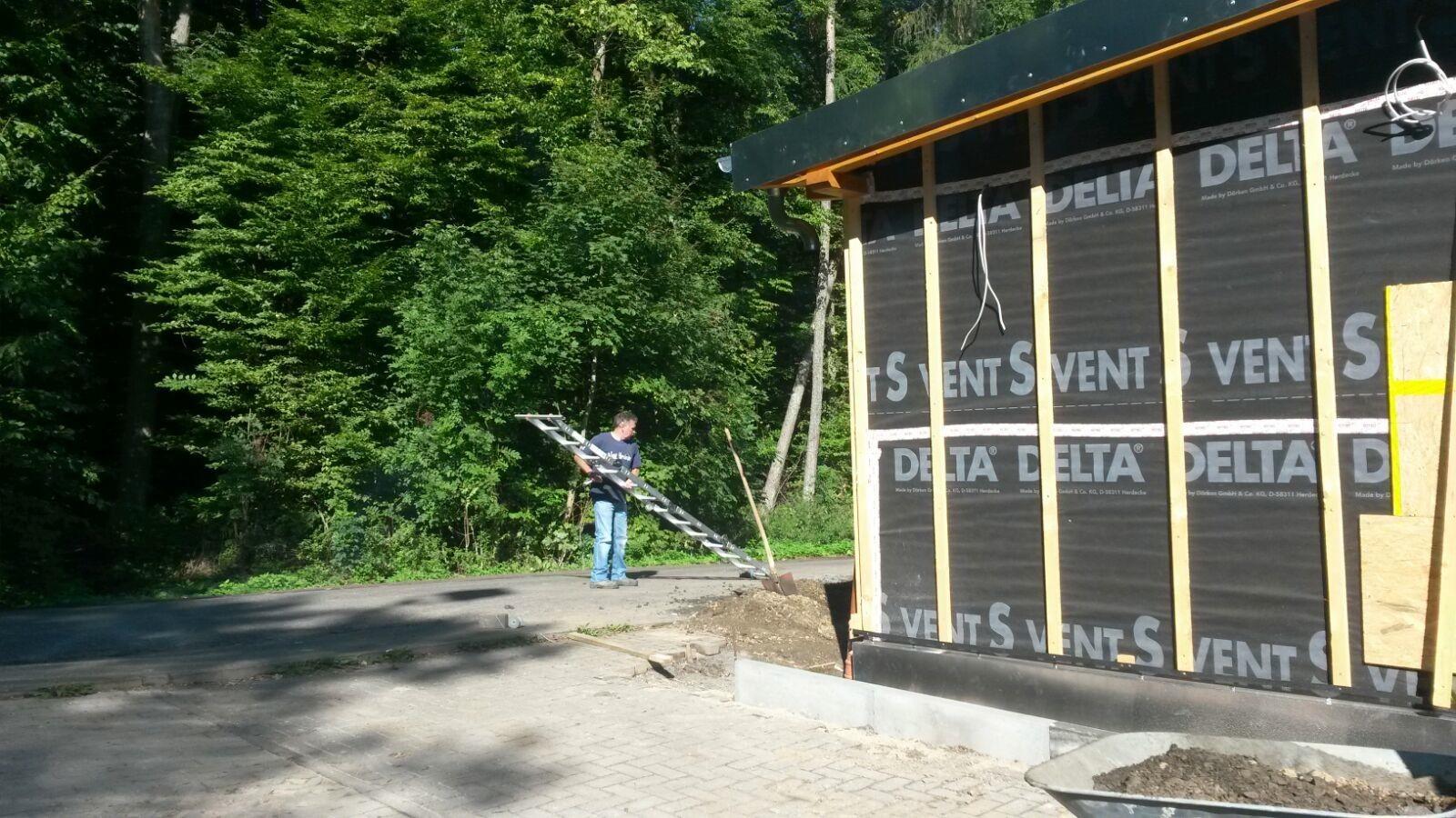 Dacharbeiten sind abgeschlossen, Gotthard packt die Leiter weg